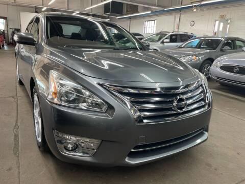 2014 Nissan Altima for sale at John Warne Motors in Canonsburg PA