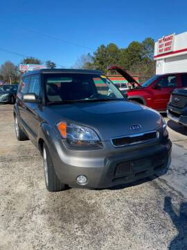 2010 Kia Soul for sale at LAKE CITY AUTO SALES in Forest Park GA