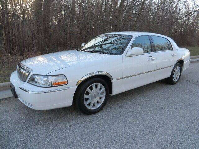 2011 Lincoln Town Car for sale at EZ Motorcars in West Allis WI
