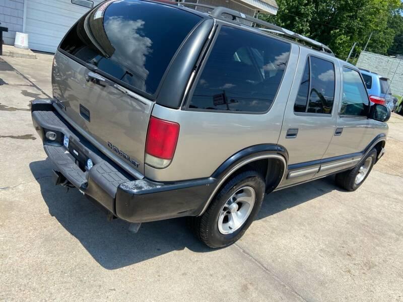 2000 Chevrolet Blazer for sale at Whites Auto Sales in Portsmouth VA