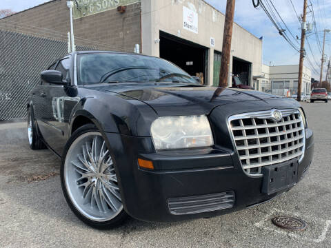 2006 Chrysler 300 for sale at O A Auto Sale in Paterson NJ