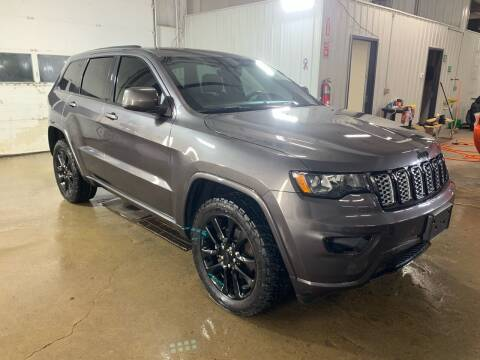 2017 Jeep Grand Cherokee for sale at Premier Auto in Sioux Falls SD