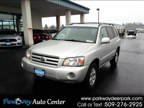 2005 Toyota Highlander for sale at PARKWAY AUTO CENTER AND RV in Deer Park WA