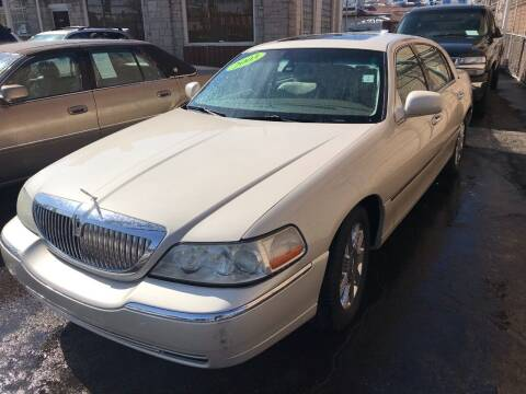 2003 Lincoln Town Car for sale at GREAT AUTO RACE in Chicago IL