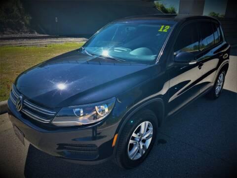 2012 Volkswagen Tiguan for sale at Apple Auto in La Crescent MN