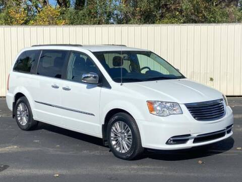 2015 Chrysler Town and Country for sale at Miller Auto Sales in Saint Louis MI