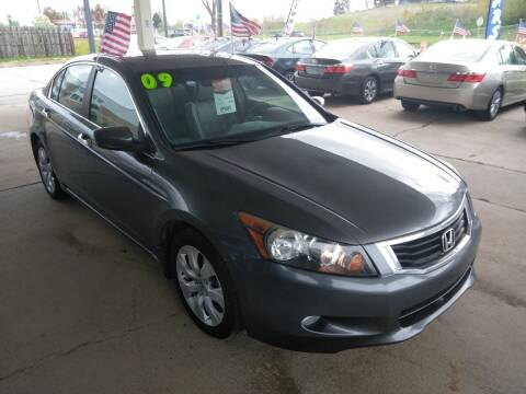 2009 Honda Accord for sale at Divine Auto Sales LLC in Omaha NE