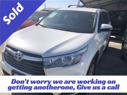2015 Toyota Highlander for sale at RIVERCITYAUTOFINANCE.COM in New Braunfels TX