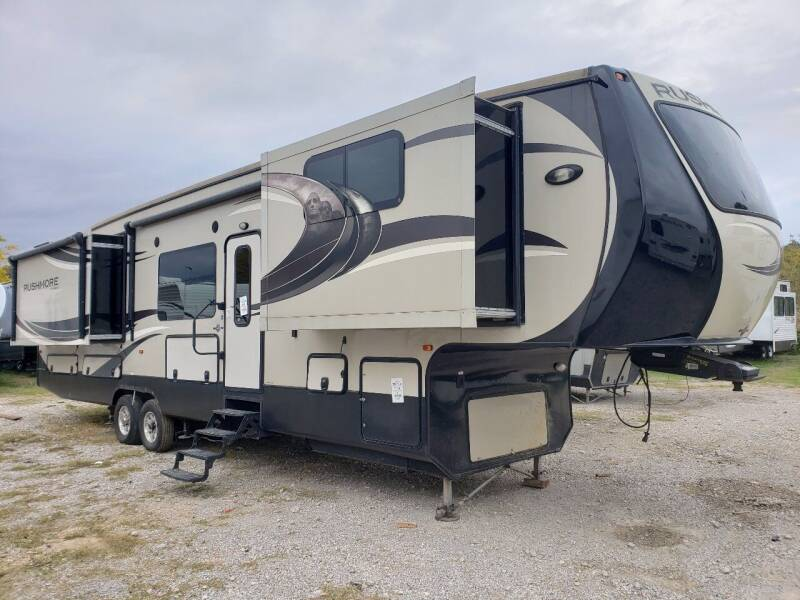 2014 Crossroads Rushmore RF39LN for sale at Ultimate RV in White Settlement TX