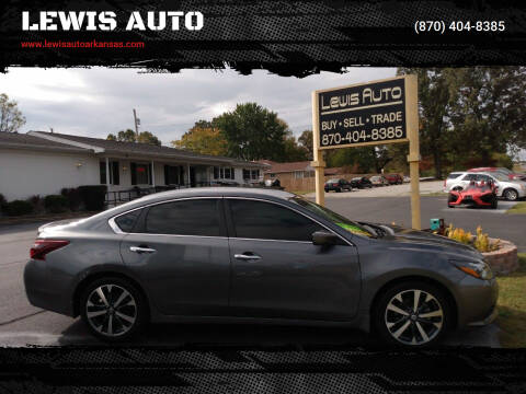 2017 Nissan Altima for sale at LEWIS AUTO in Mountain Home AR