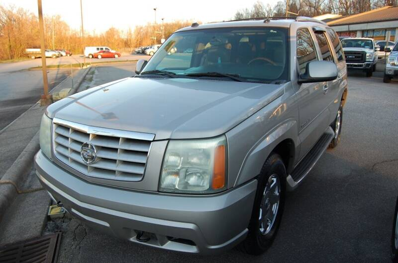 2004 Cadillac Escalade for sale at Modern Motors - Thomasville INC in Thomasville NC