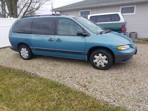 1999 Dodge Grand Caravan for sale at CALDERONE CAR & TRUCK in Whiteland IN
