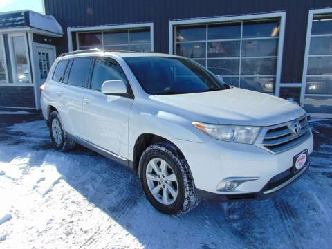 2012 Toyota Highlander for sale at Akron Auto Sales in Akron OH