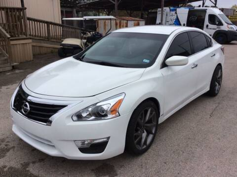 2014 Nissan Altima for sale at OASIS PARK & SELL in Spring TX
