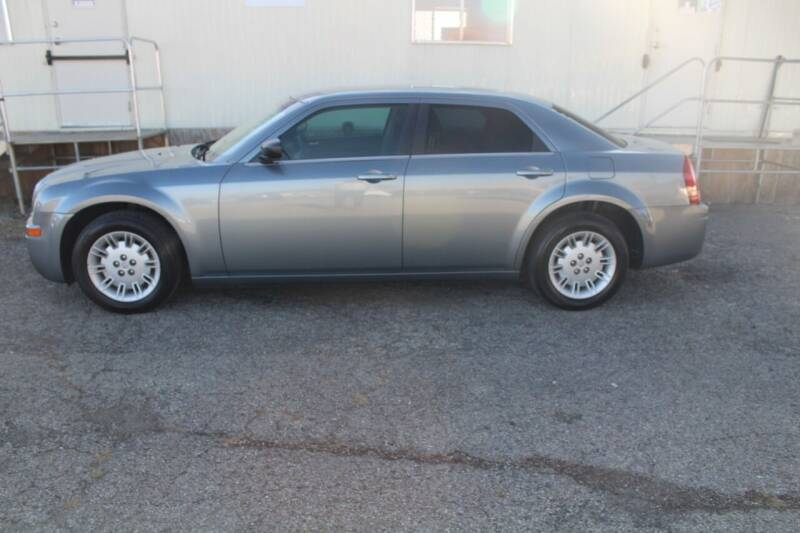 2007 Chrysler 300 for sale at LIFE AFFORDABLE AUTO SALES in Columbus OH