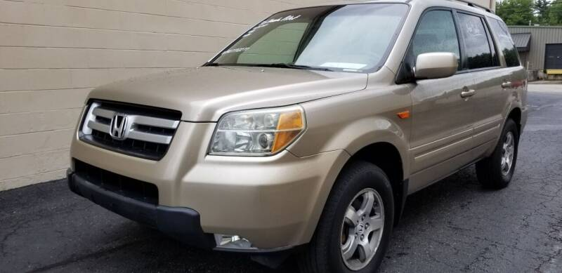 2006 Honda Pilot for sale at Derby City Automotive in Louisville KY