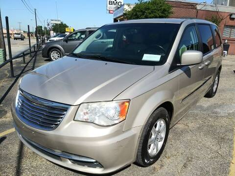 2013 Chrysler Town and Country for sale at BMG AUTO GROUP in Arlington TX
