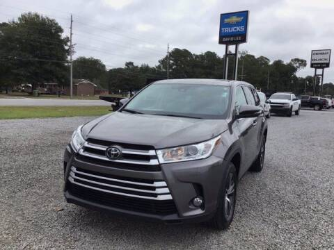 2019 Toyota Highlander for sale at LEE CHEVROLET PONTIAC BUICK in Washington NC