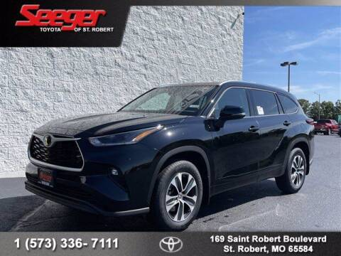2021 Toyota Highlander for sale at SEEGER TOYOTA OF ST ROBERT in Saint Robert MO