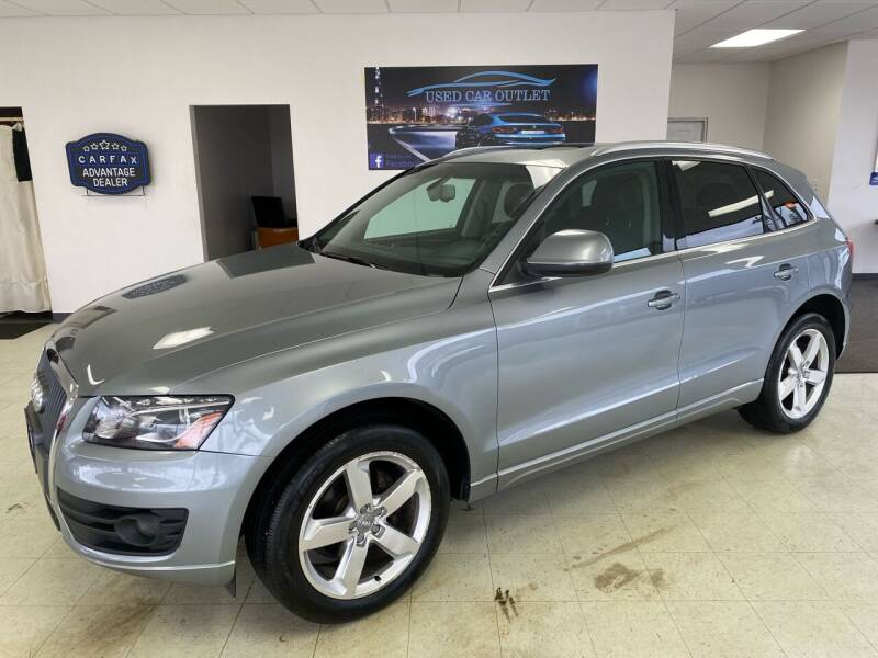 2011 Audi Q5 for sale at Used Car Outlet in Bloomington IL