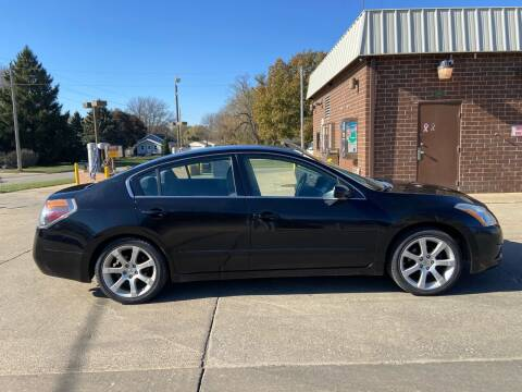 2010 Nissan Altima for sale at RIVERSIDE AUTO SALES in Sioux City IA