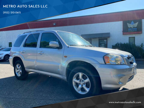 2005 Mazda Tribute for sale at METRO AUTO SALES LLC in Blaine MN