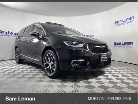 2021 Chrysler Pacifica for sale at Sam Leman CDJRF Morton in Morton IL