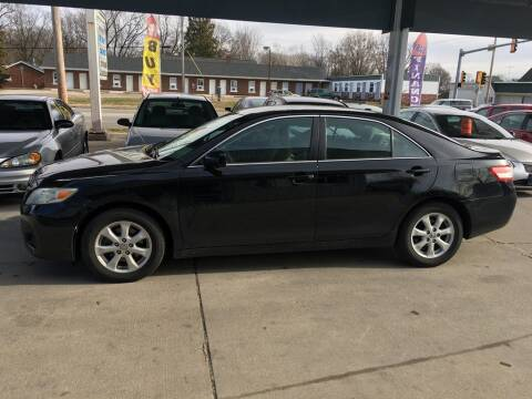 2010 Toyota Camry for sale at Springfield Select Autos in Springfield IL