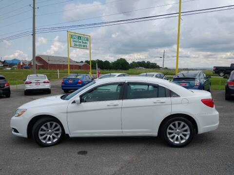 2014 Chrysler 200 for sale at Space & Rocket Auto Sales in Meridianville AL