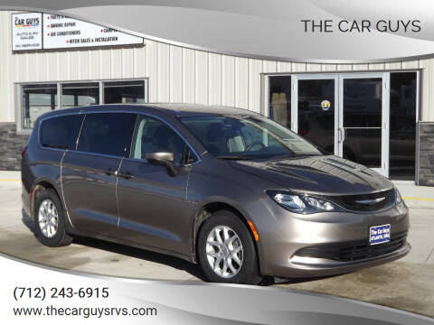 2017 Chrysler Pacifica for sale at The Car Guys in Atlantic IA
