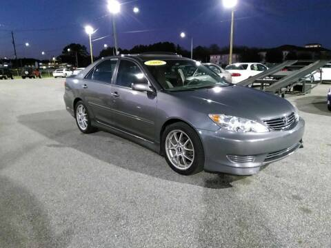2006 Toyota Camry for sale at Kelly & Kelly Supermarket of Cars in Fayetteville NC