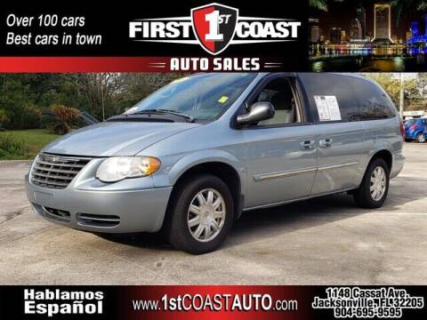 2005 Chrysler Town and Country for sale at 1st Coast Auto -Cassat Avenue in Jacksonville FL