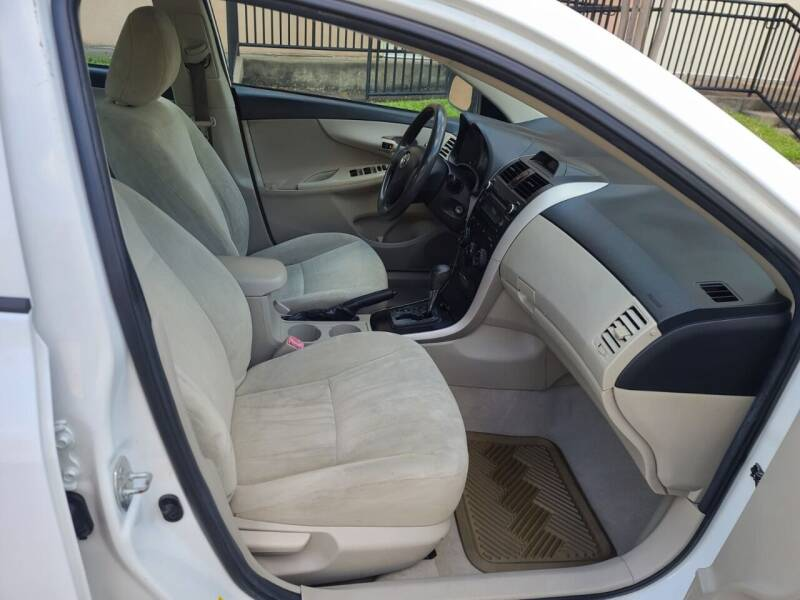 2013 Toyota Corolla LE 4dr Sedan 4A - Houston TX