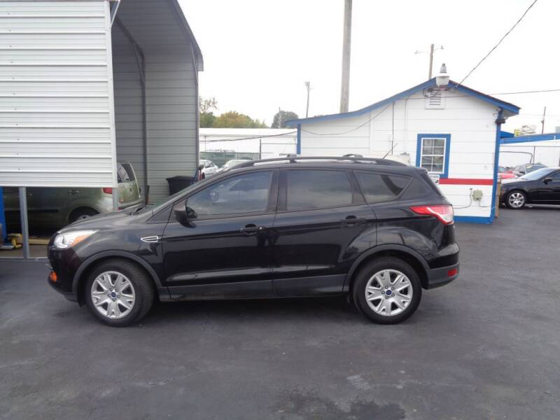 2015 Ford Escape for sale at Cars Unlimited Inc in Lebanon TN