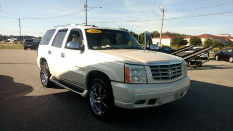 2004 Cadillac Escalade for sale at Kelly & Kelly Supermarket of Cars in Fayetteville NC