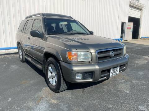 2004 Nissan Pathfinder for sale at MARLER USED CARS in Gainesville TX