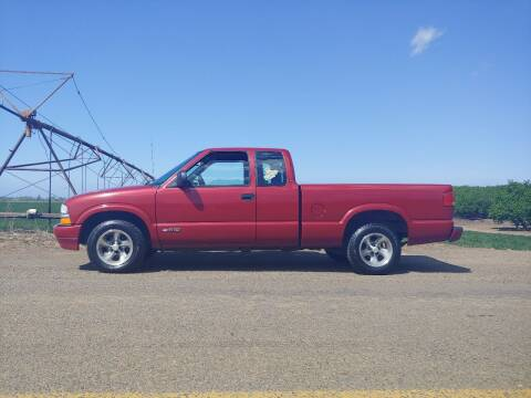 2000 Chevrolet S-10 for sale at M AND S CAR SALES LLC in Independence OR