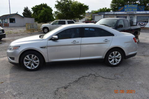2010 Ford Taurus for sale at WF AUTOMALL in Wichita Falls TX