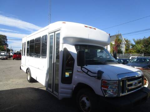 2009 Ford E-Series Chassis for sale at Lynch's Auto - Cycle - Truck Center in Brockton MA