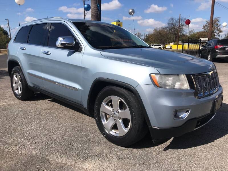 2012 Jeep Grand Cherokee for sale at Auto A to Z / General McMullen in San Antonio TX