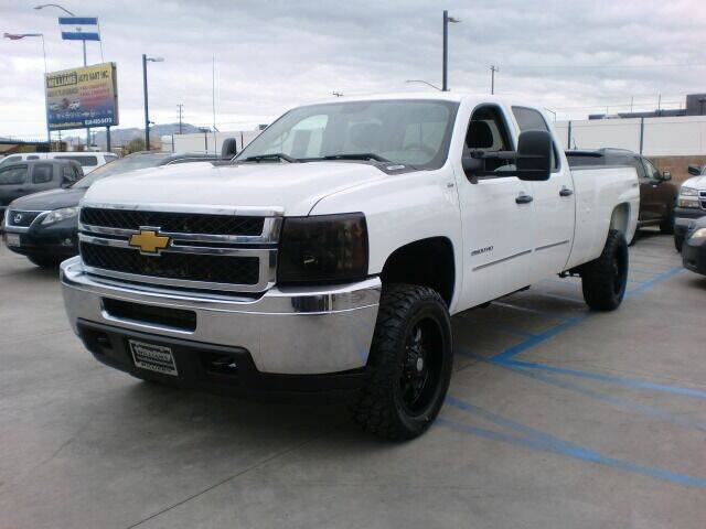 2013 Chevrolet Silverado 2500HD for sale at Williams Auto Mart Inc in Pacoima CA