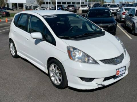 2009 Honda Fit for sale at BSA Pre-Owned Autos LLC in Hinton WV