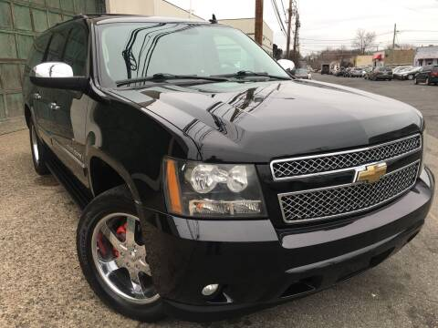 2009 Chevrolet Suburban for sale at Illinois Auto Sales in Paterson NJ