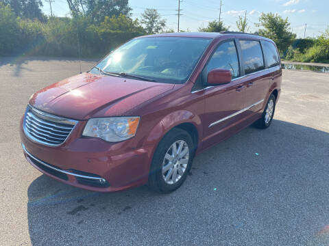 2014 Chrysler Town and Country for sale at Mr. Auto in Hamilton OH