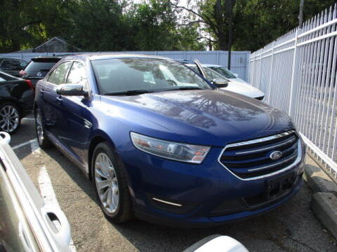 2013 Ford Taurus for sale at SOUTHFIELD QUALITY CARS in Detroit MI