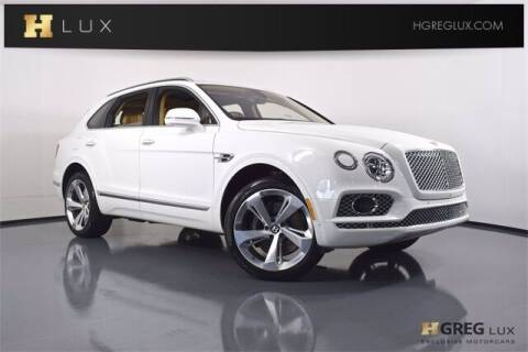 2017 Bentley Bentayga for sale at HGREG LUX EXCLUSIVE MOTORCARS in Pompano Beach FL