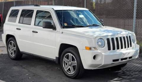 2009 Jeep Patriot for sale at Square Business Automotive in Milwaukee WI