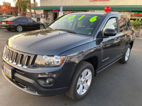 2016 Jeep Compass for sale at La Mesa Auto Sales in Huntington Park CA