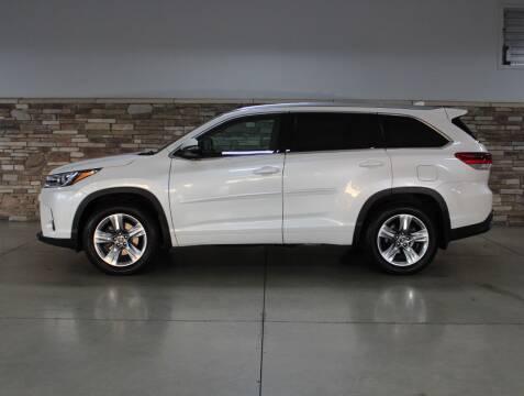 2019 Toyota Highlander for sale at Bud & Doug Walters Auto Sales in Kalamazoo MI