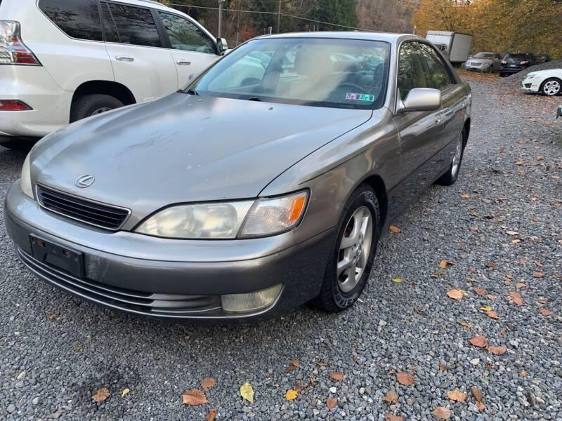 1998 Lexus ES 300 for sale at JM Auto Sales in Shenandoah PA